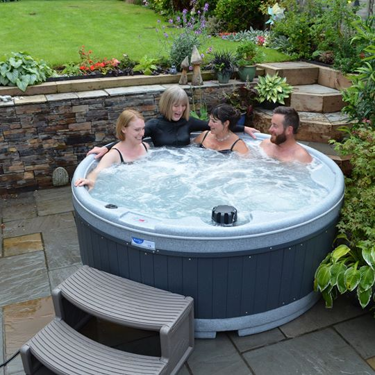 Small hot tub hire York