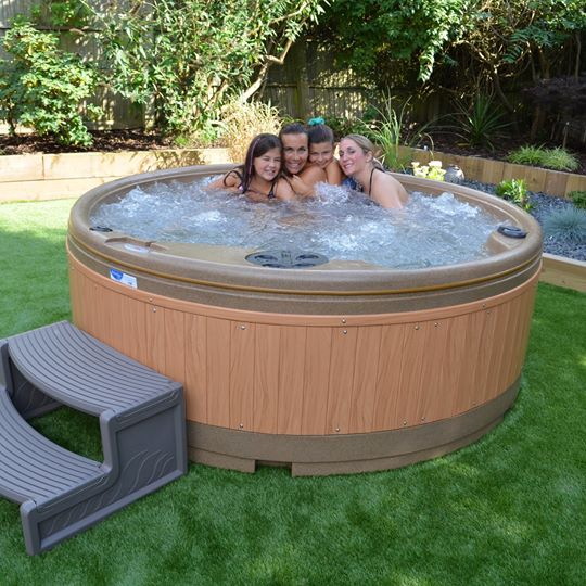 Large hot tub hire Halifax